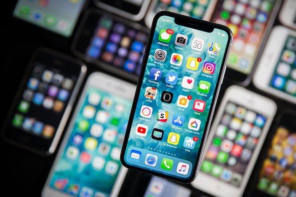 Россиянин подал иск к Apple на 777 тысяч 777 рублей из-за замедления iPhone