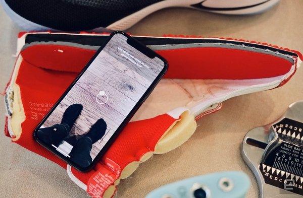 Будущее уже здесь: AR-функции в смартфонах будут помогать выбирать одежду