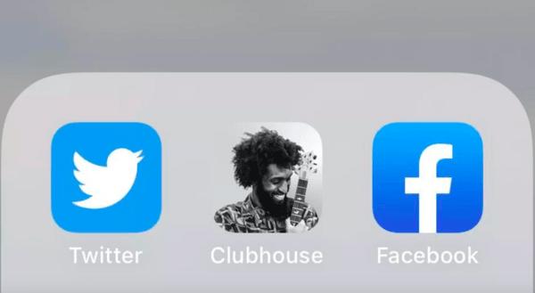 Социальная сеть Clubhouse стала самым скачиваемым приложением в России