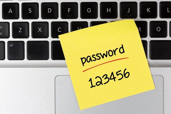 Как поставить пароль на папку?