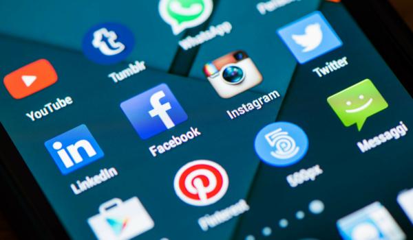 ФАС планирует запретить «неудаляемые» приложения на смартфонах