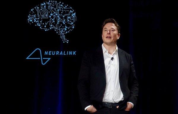 ИлонМасквживил обезьяне чип Neuralink и научил её играть в видеоигры