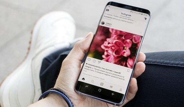 Восстание машин: смартфоны Samsung самостоятельно рассылают фото