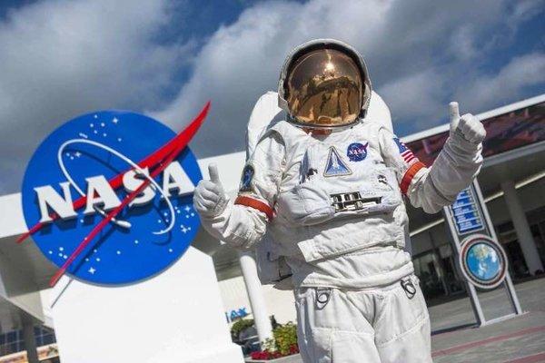 NASA раздаст паспорт астронавта всем желающим