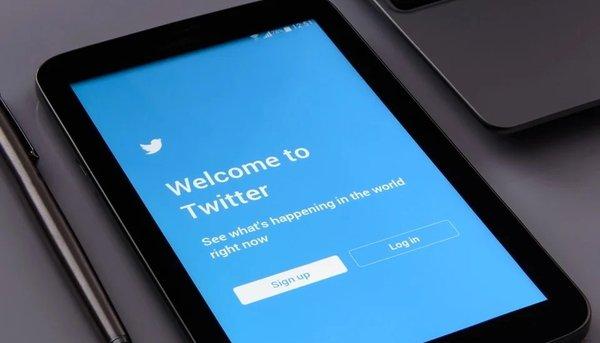 Роскомнадзор начал замедлять работу Twitter в России