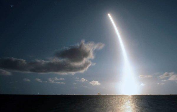 SpaceX запустила в космос 60 спутников глобального интернета Starlink
