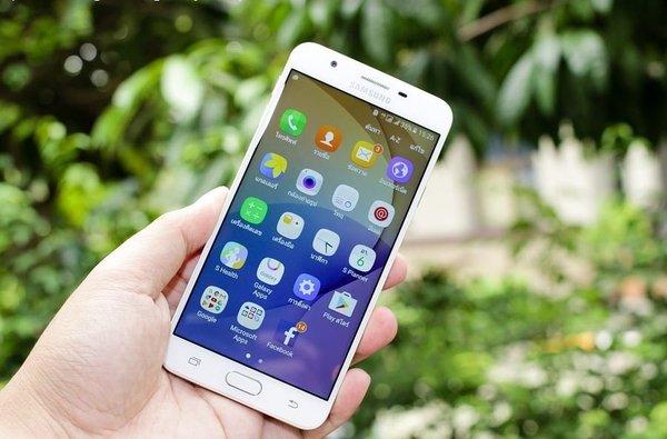 Минцифры планирует предустанавливать отечественный поисковик на смартфоны
