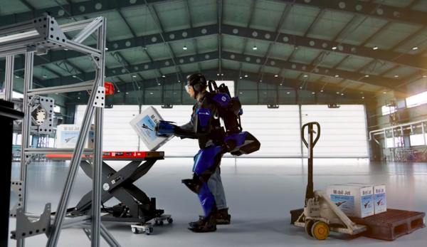 Sarcos Robotics показали экзоскелет, увеличивающий силу человека в 20 раз
